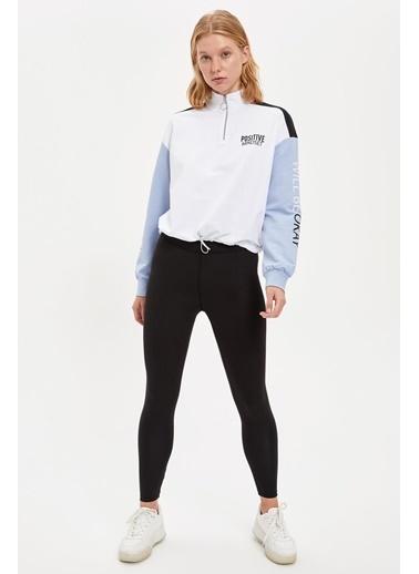 Defacto –Fit Renk Bloklu Baskı Detaylı Yarım Fermuarlı Sweatshirt Beyaz